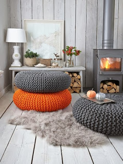 Love the knitted poofs — Grey and orange: great colour combination