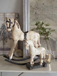 Vintage Scandinavian wooden horses. Aren't they darling?