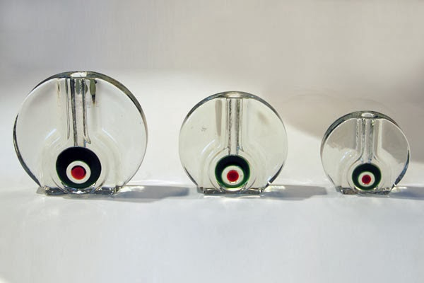 These vintage bud vases in three sizes are fab