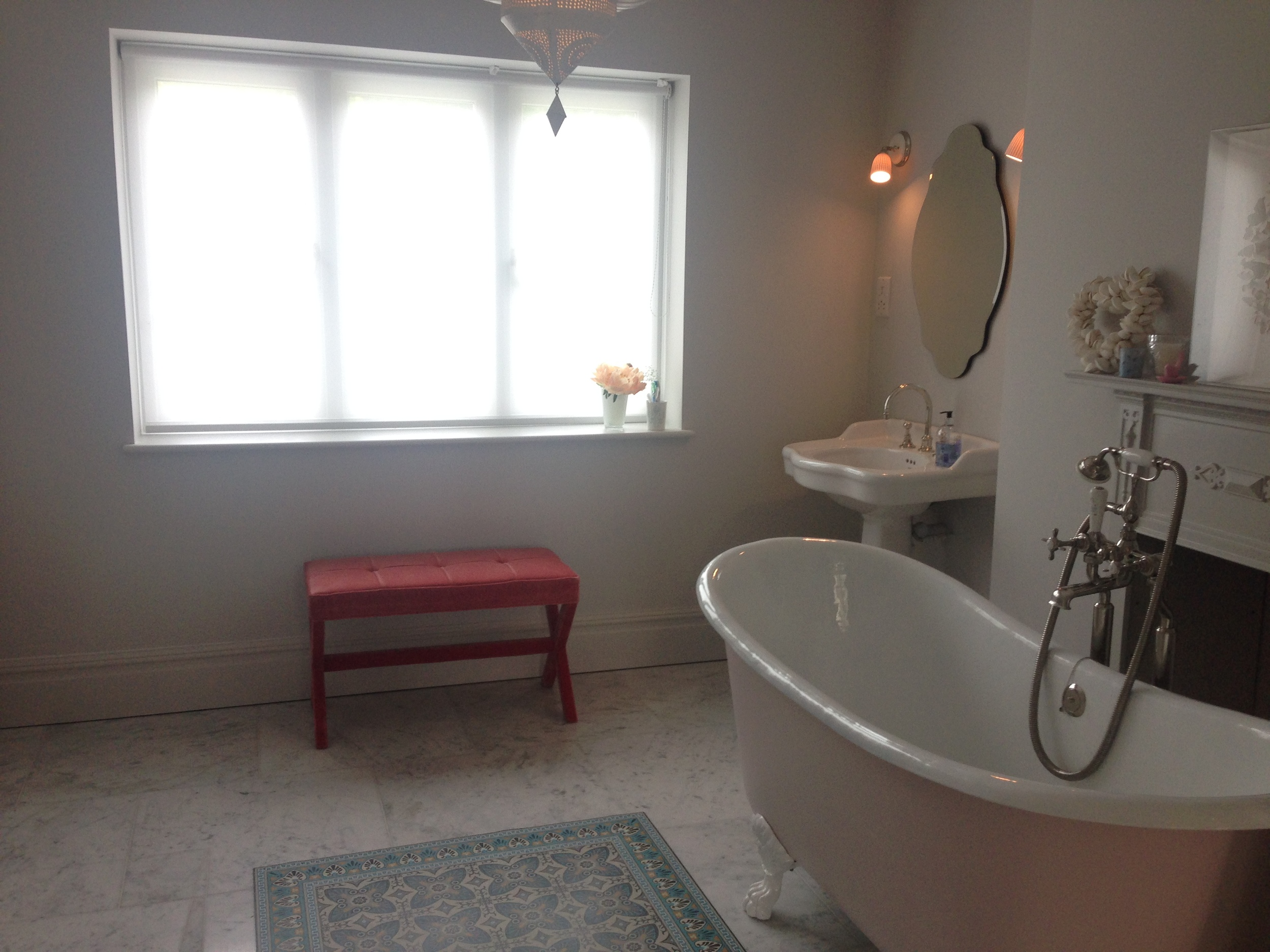 House 5 - Daughter's ensuite