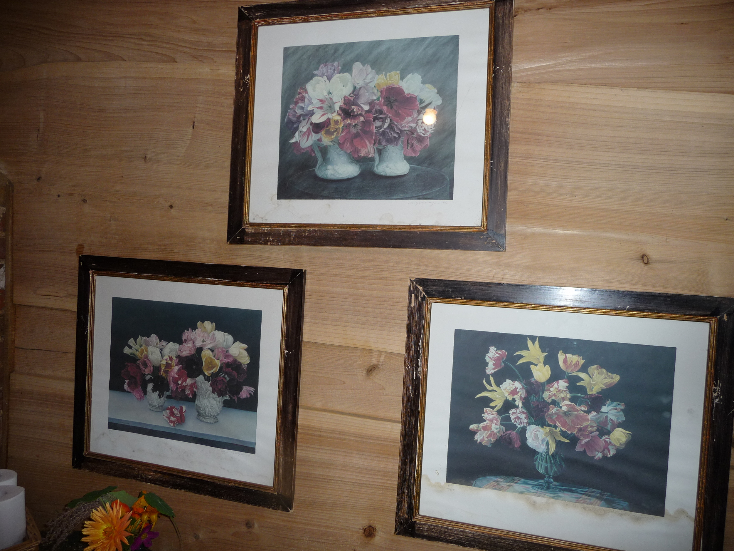 These gems of vintage framed prints are actually in one of the loos!!! I so want to have them in my house!!!!
