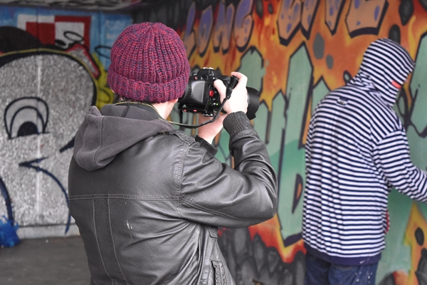 Me photographing the guy photographing the graffiti artist!!