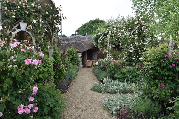 m_Rose Garden (23).jpg