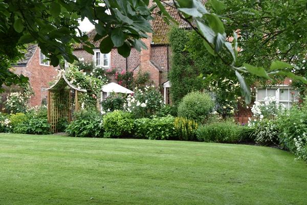 m_Cottage (1).jpg