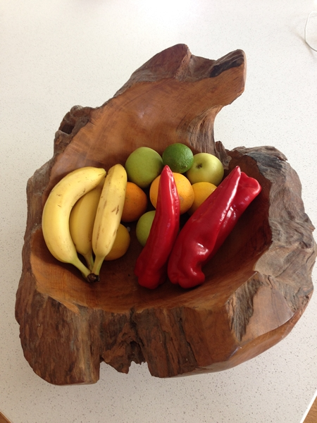 I was in awe of this gorgeous fruit bowl carved out of a huge piece of wood