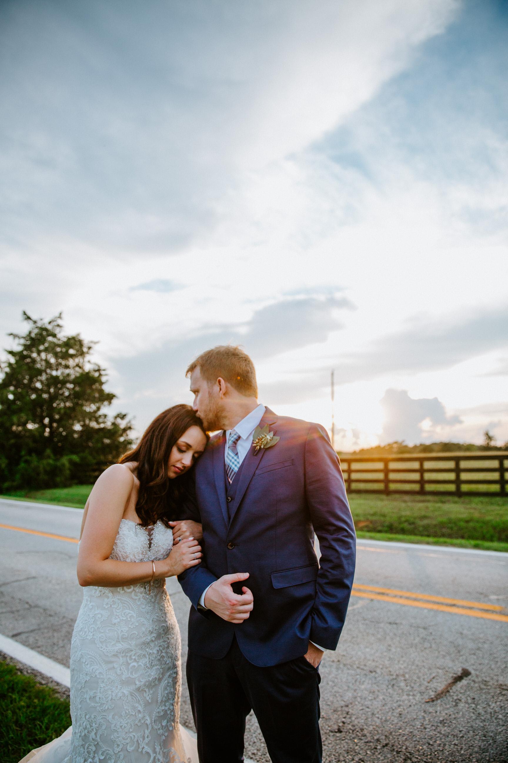 Sunset Photos on Wedding Day   Asheville & Charlotte Wedding Photographer   Taylor Heery Photography