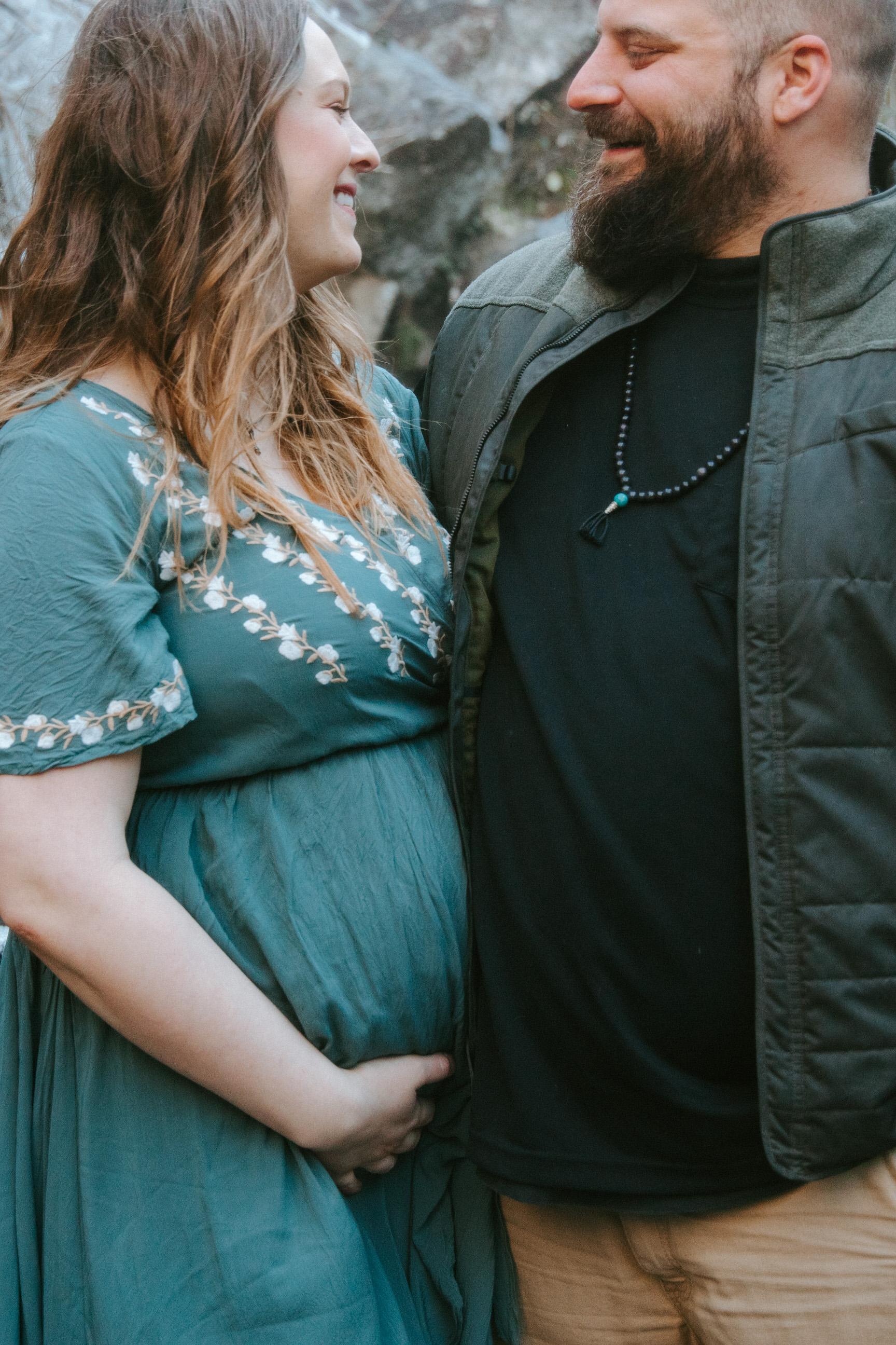 amber-nick-maternity-0202.jpg