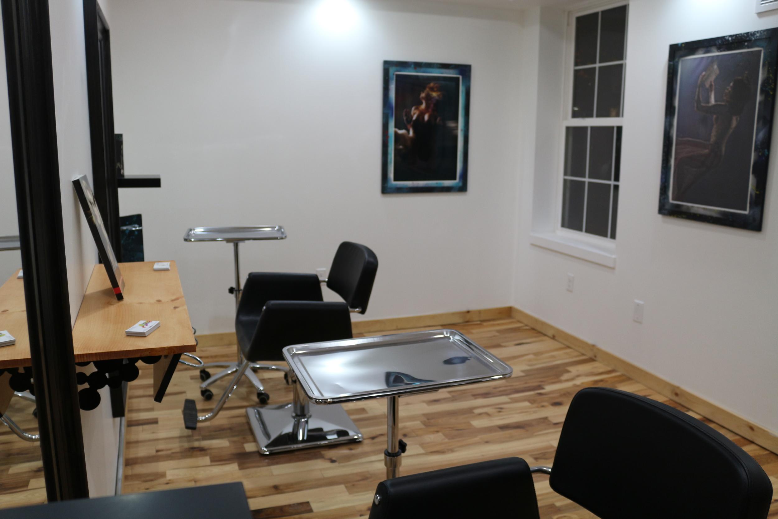salon masaya salon chairs.JPG