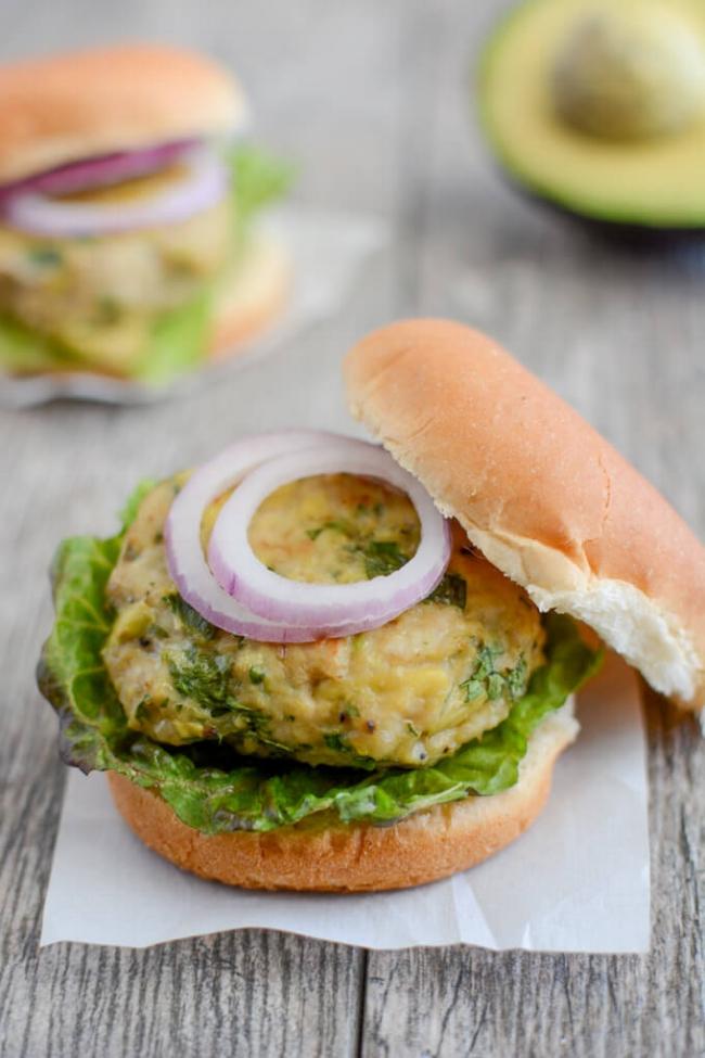 Avocado Chicken Burgers| The Lean Green Bean