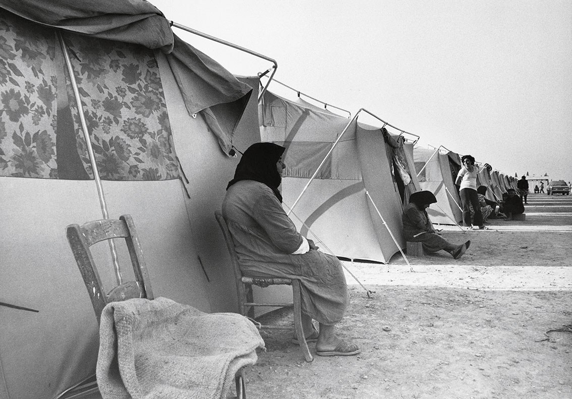 a-camp-of-300-tents-for-1400-refugees-lefkaritis-near-lamaca-cyprus-1974-web.jpg