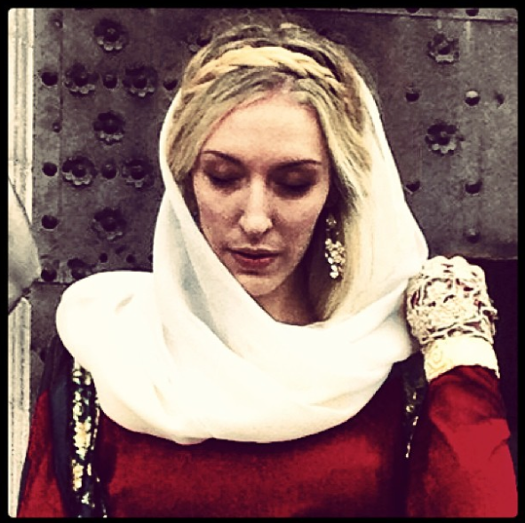Aquest és el meu alter ego medieval      (Fotografia de @myserch a l'Instagram)