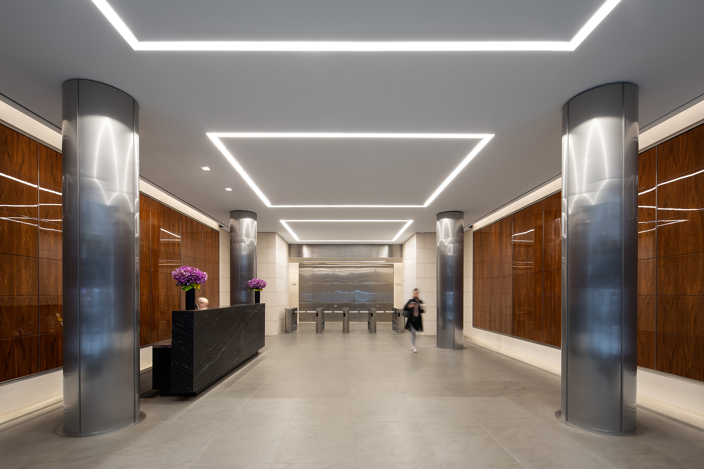 1350 Avenue of the Americas Lobby