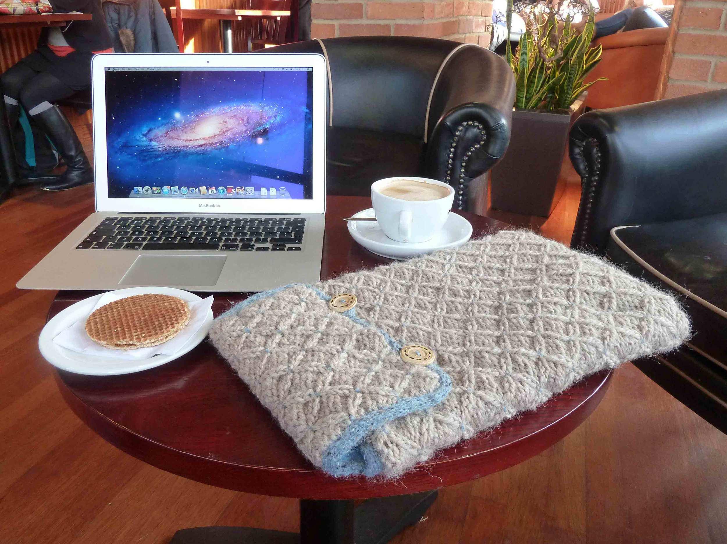 01-Laptop-Snug.jpg