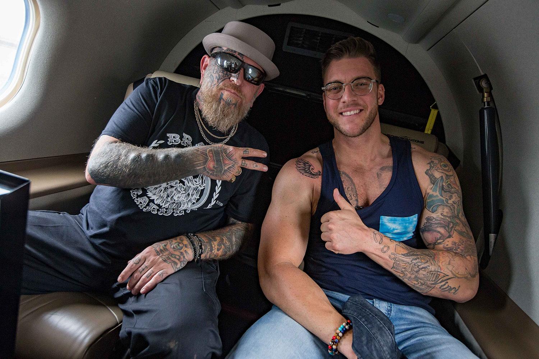 Opération réussie pour l'artiste-tatoueur Dave Z. James et l'animateur Mathieu Baron!