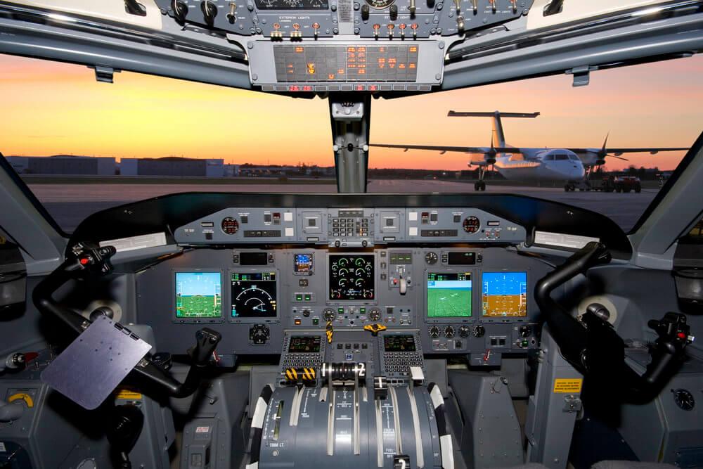 cockpit-dash-8-chrono-aviation.jpg