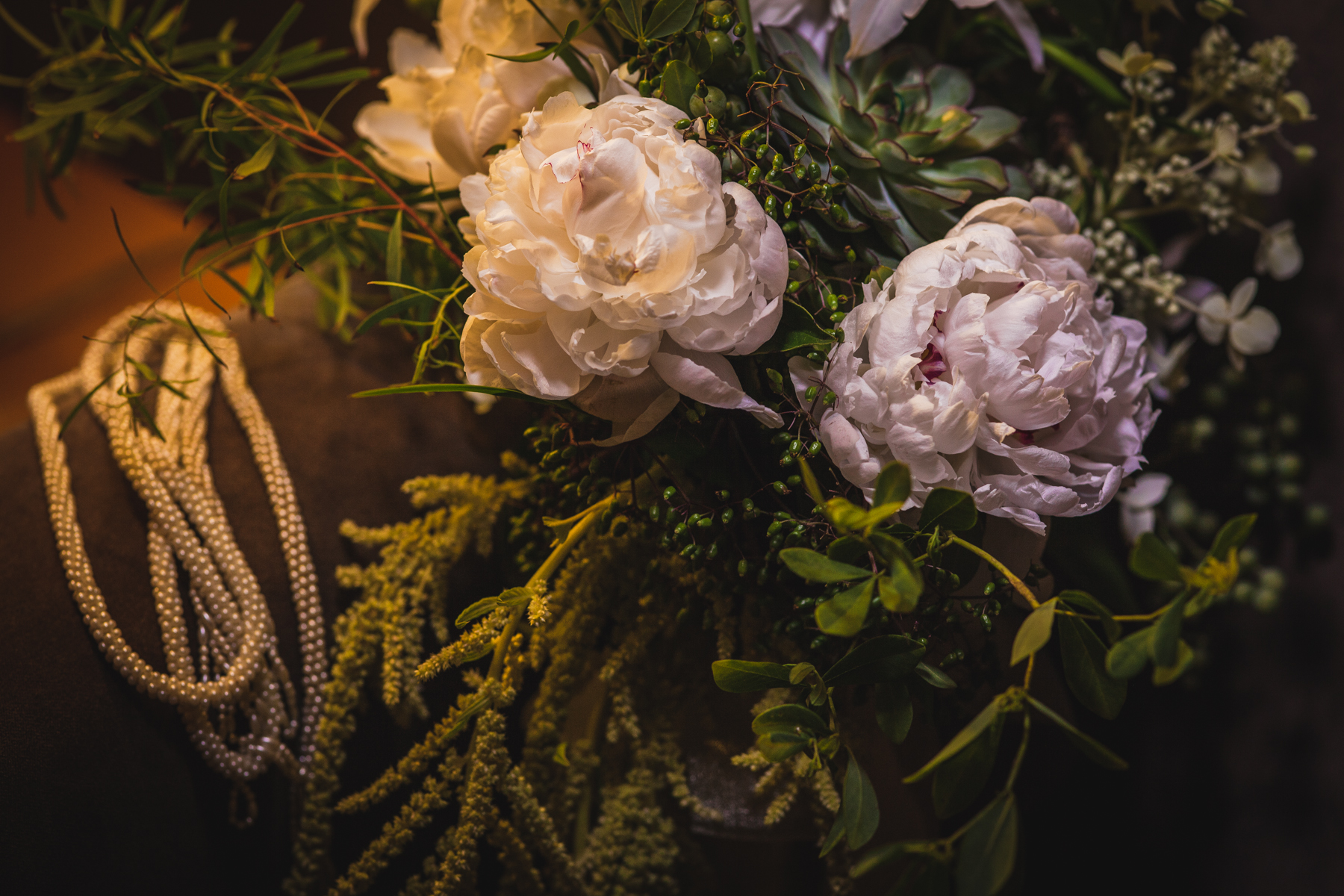 chicago-documentary-wedding-at-a-new-leaf-vintage-inspired-jumping-the-broom-oriana-koren-0786.jpg