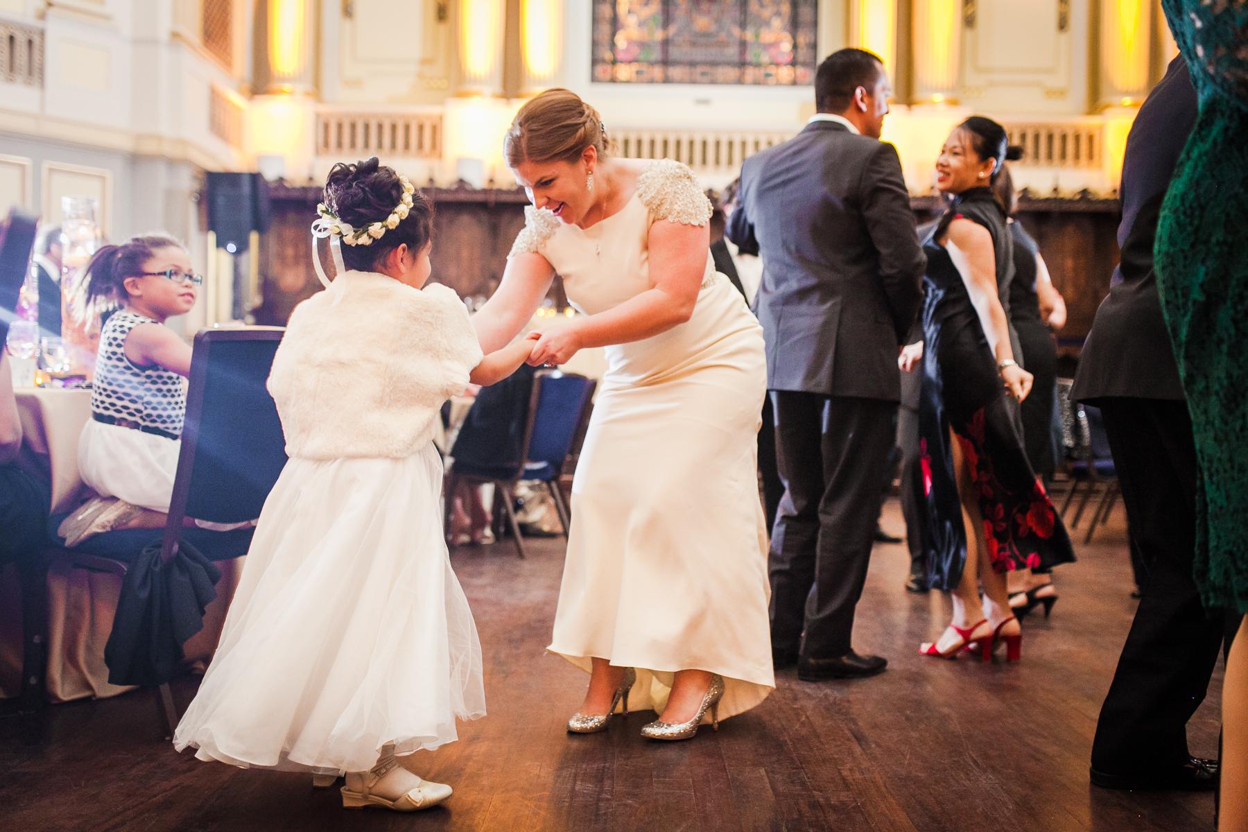 roaring-twenties-wedding-at-the-murphy-audiotorium-driehaus-museum-oriana-koren-9392.jpg