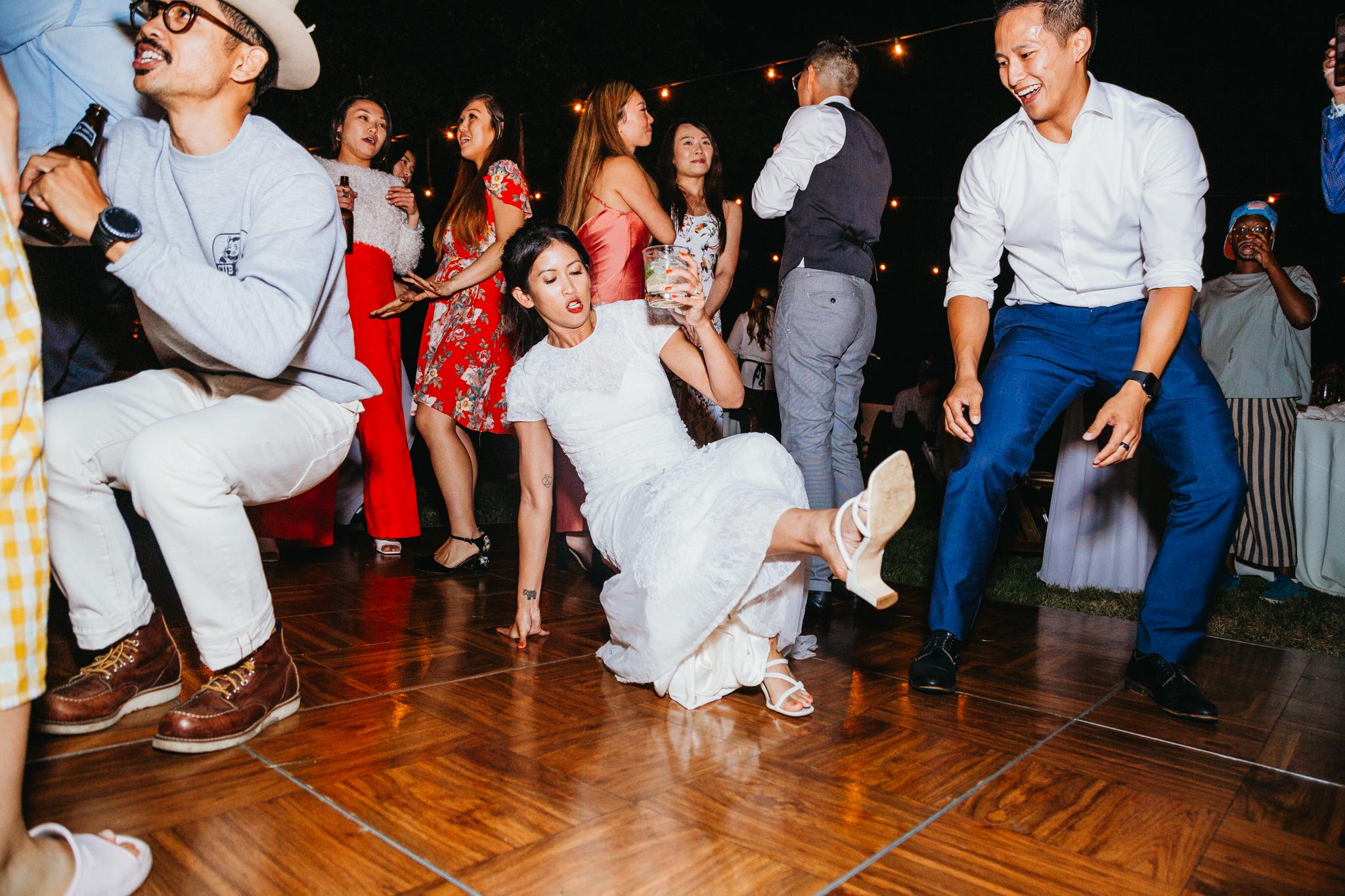 wedding-dance-playlist-rebeccaylasotras.jpg