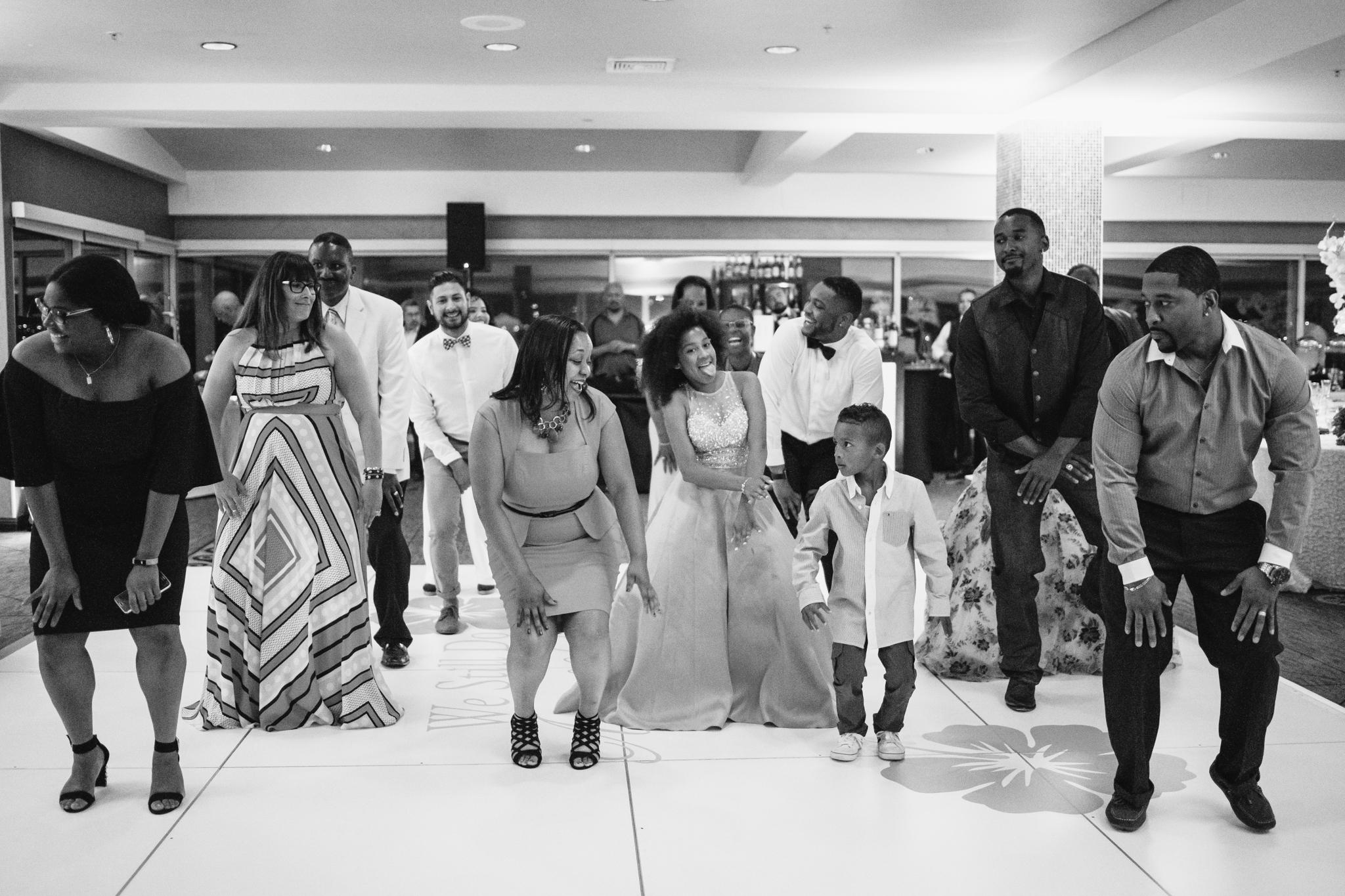wedding-line-dance-party-rebeccaylasotras-1.jpg