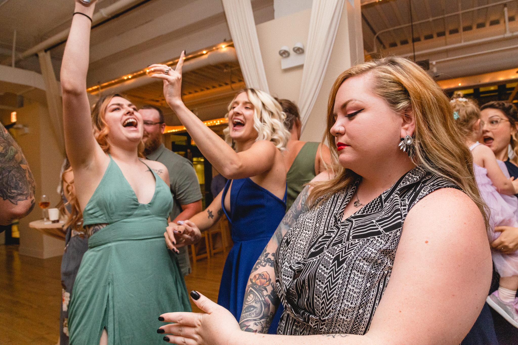 chicago-greenhouse-loft-wedding-dance-rebeccaylasotras-7.jpg