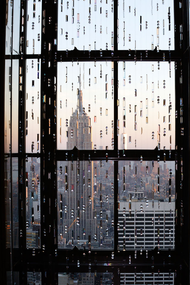 The view of the Empire State Building from Manhattan's iconic Rainbow Room.  Photo by  Carlos Varela .