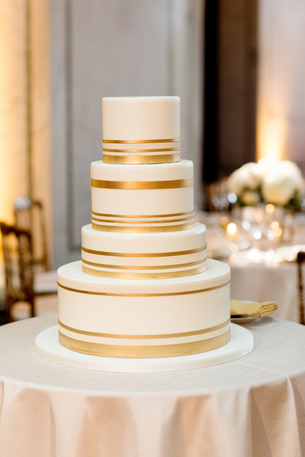 Cake by  Cake ; Photo by  Olivia Leigh Photographie  via  Elizabeth Anne Designs