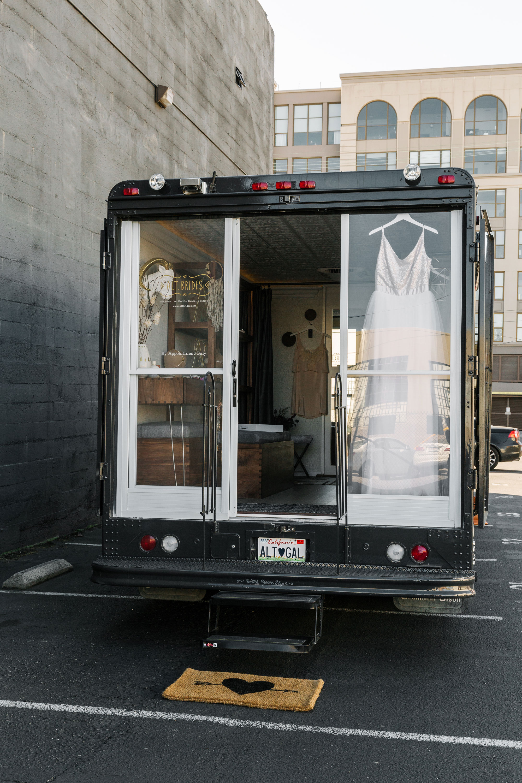 homepolish_alt_bride_truck_016_web.jpg