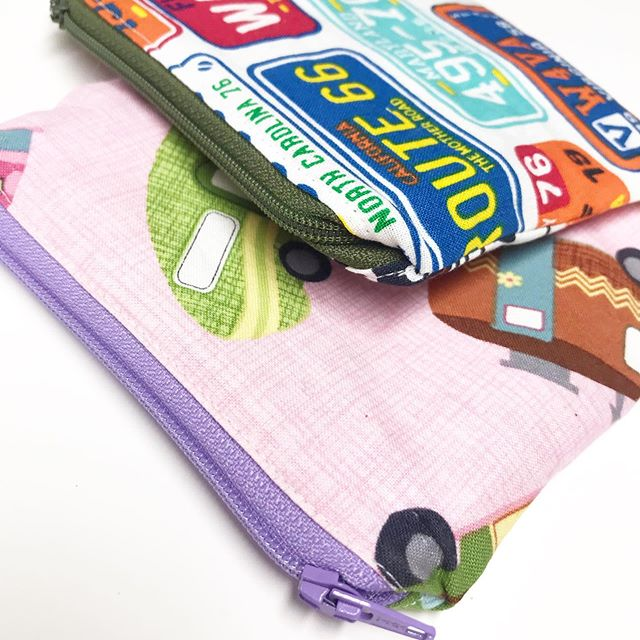 A fun little custom order for kids traveling with snacks. These interiors have washable fabric for easy cleaning and maximizing reduction of waste. Whoop! 🎉 Happy travels friend! 🏕 . . . . . #reducereuserecycle #lesswaste #travelwithkids #reusablebag #travel #washablebag #reusablebag #campingfamily #northdakotaliving #sewingtherapy #fabrichoarder #shophandmade