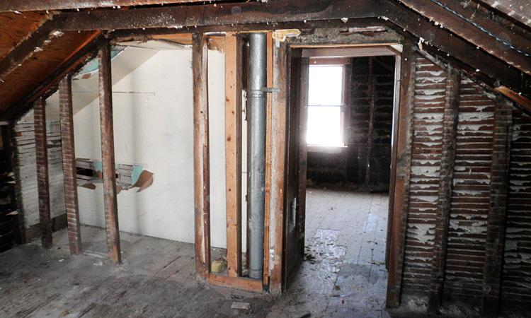 StructReStruct_1109NY_before_interior.jpg
