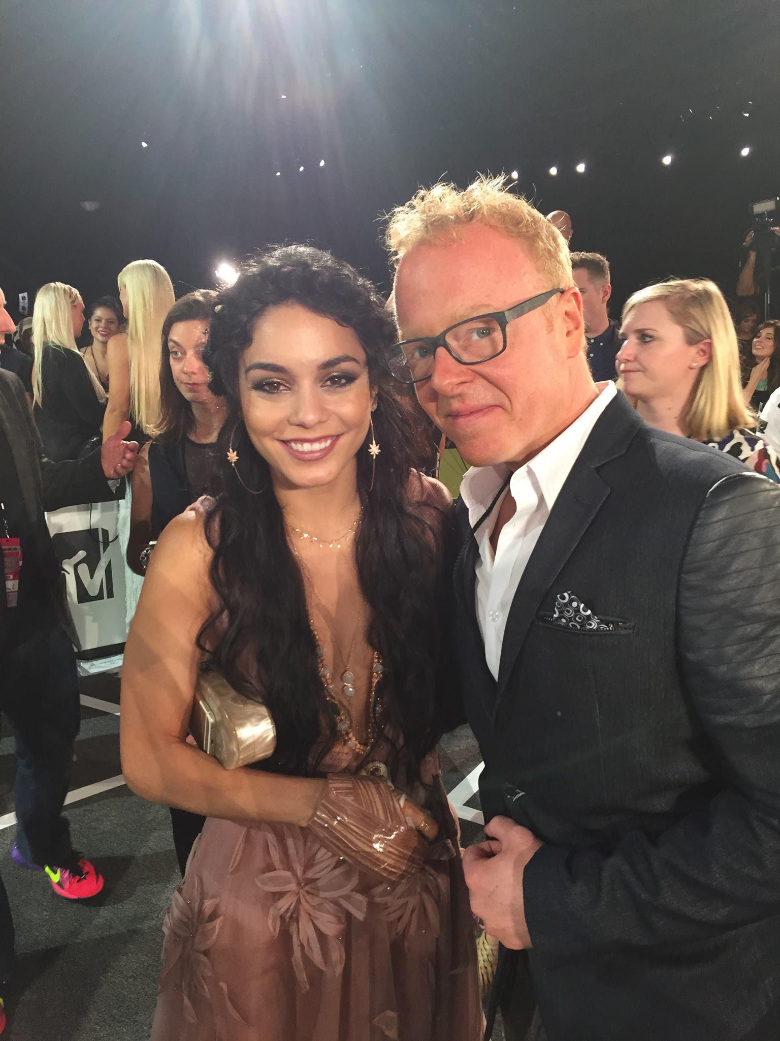 Chris Young attends MTV Music Awards alongside music artists Kourtney Kelly and Vanessa Hudgens