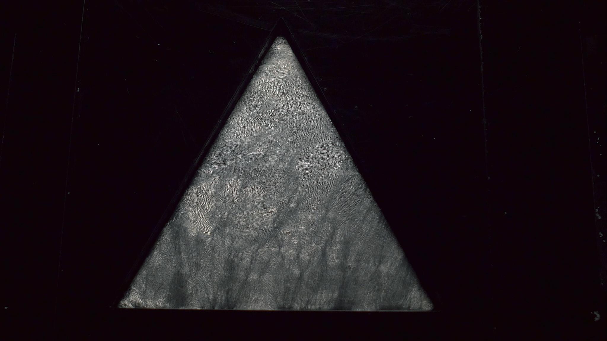 Thump Cymatics Test _ Peter Clark