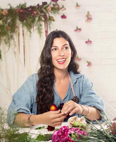 CLINIQUE:  Pretty Easy DIY Flower Necklace  NOVEMBER 2015