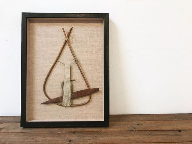 Check out this beautiful old loom in a shadow box we just finished. It's a treat to get to interact with objects like this. Framed in @roma_moulding