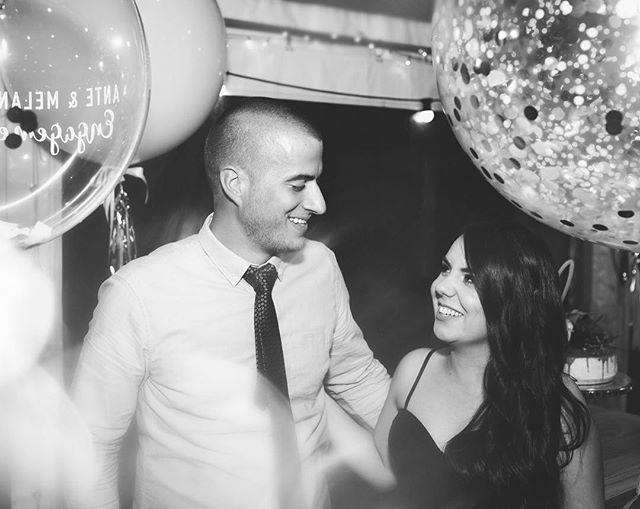 💍~ These two ~ 💕 I looked like such a fruitloop trying to get balloons EXACTLY where I wanted them in my depth of field. Then shaking them all at the same time to get some  confetti action. Because why not be a bit extra in your shooting. 🎉🎉🎉🎉🎉🎉🎉