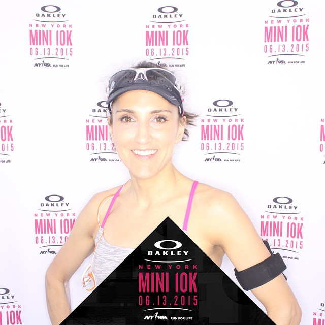 My slowest @Oakley Mini (8:14 pace😕) but thanks @idanwan for my reinvented running strategy- I felt amazing and look forward to finding my pace again soon! #dontcallitacomeback #NYC #nycfitness #oakleymini10k #fitness #running #nyrr