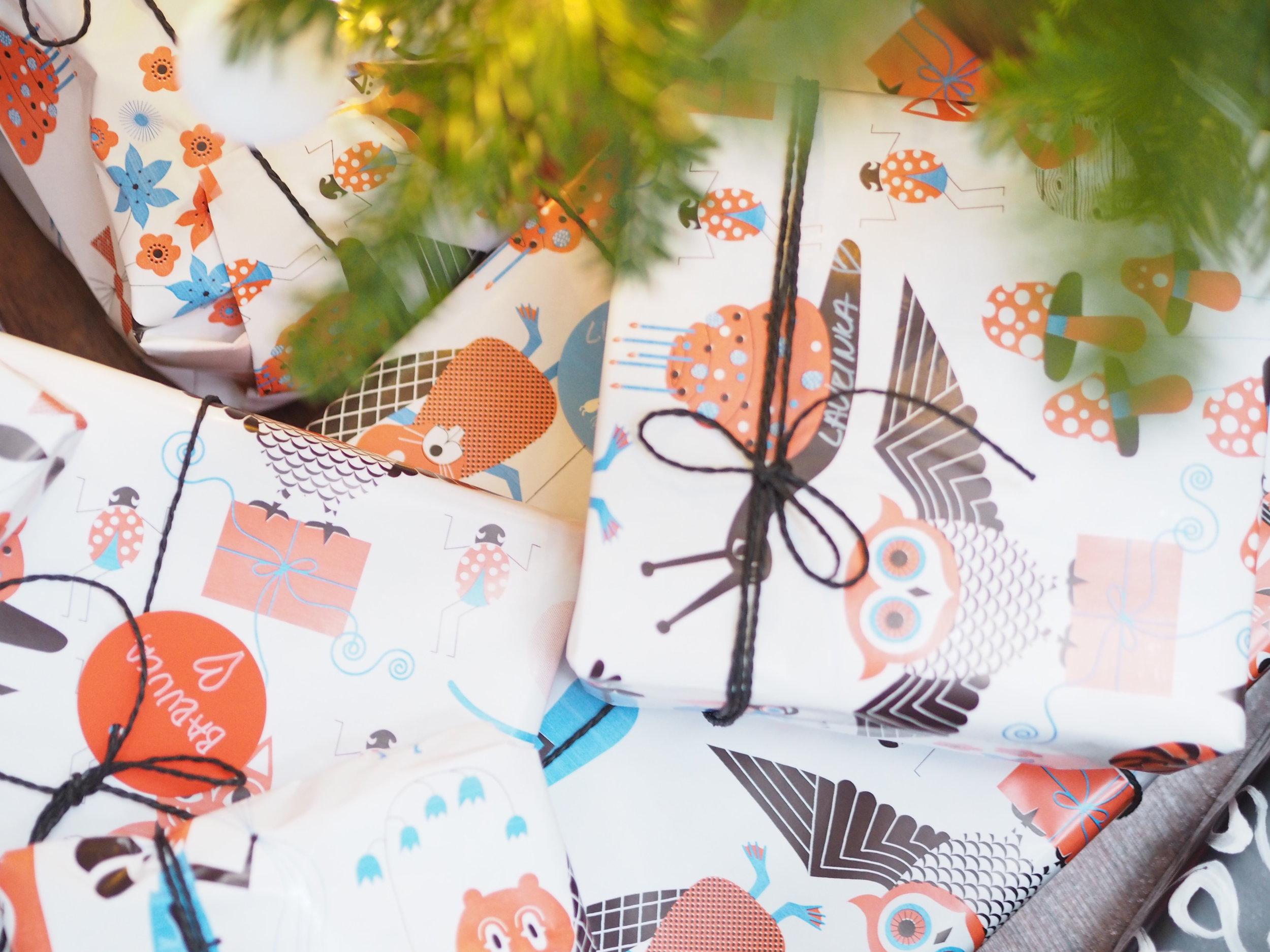 Detail zabalených dárečků pro děti...