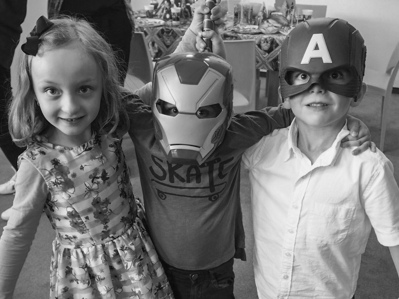 Svatá trojice. Znám ty děti od jejich několika měsíců. Je nádherné vidět jejich vztah. Mají se všichni tři moc rádi :-) Barunka + Tobíček + Lukášek