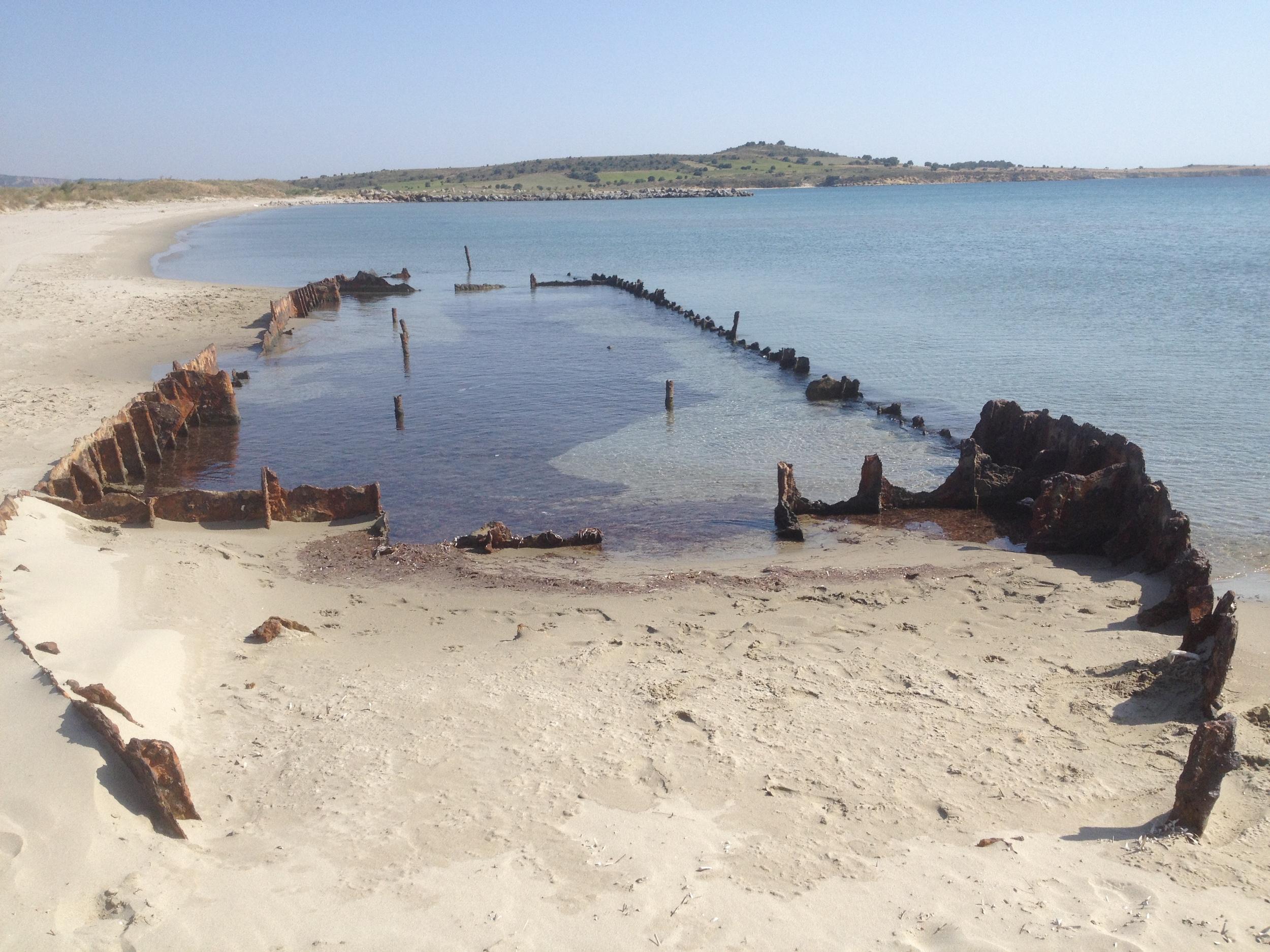 Ruin of lighter boat on A beach Suvla Bay.JPG