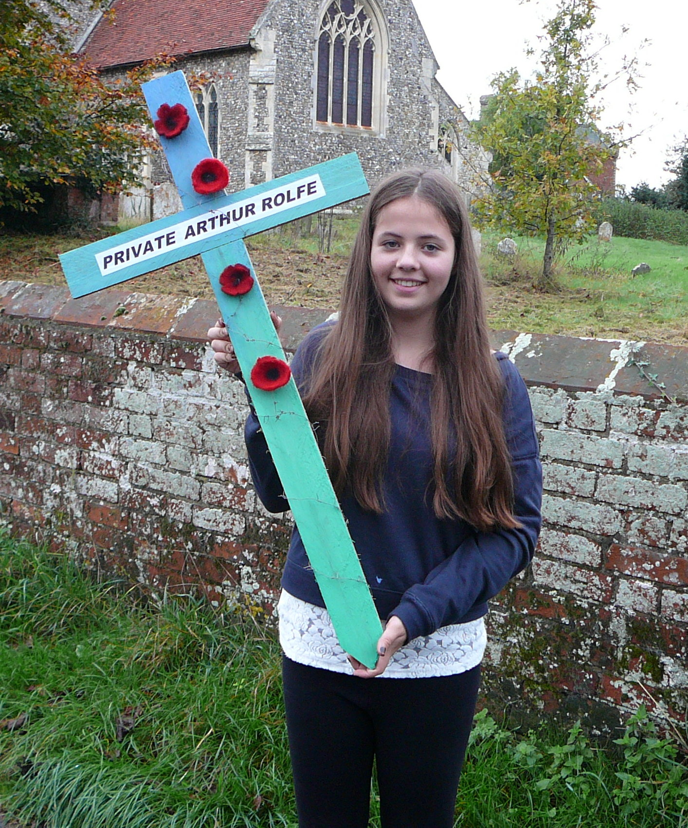 124 JESSICA GANT WITH THE CROSS IN MEMORY OF ARTHUR ROLFE.jpg