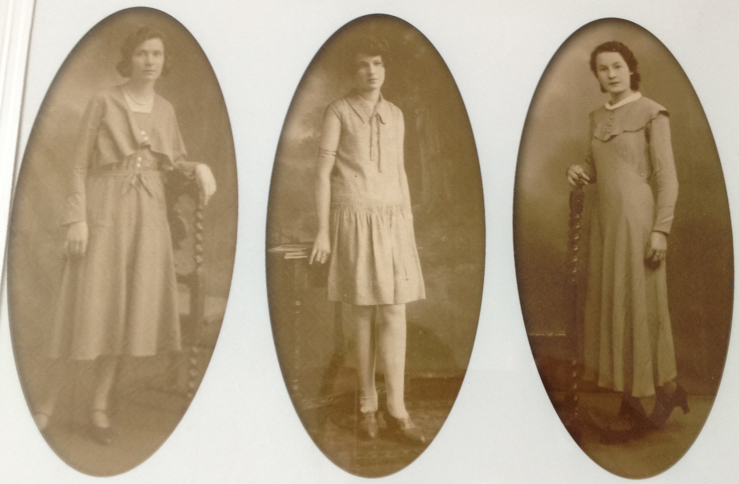 Harry Durrant's daughters in the mid 30s.
