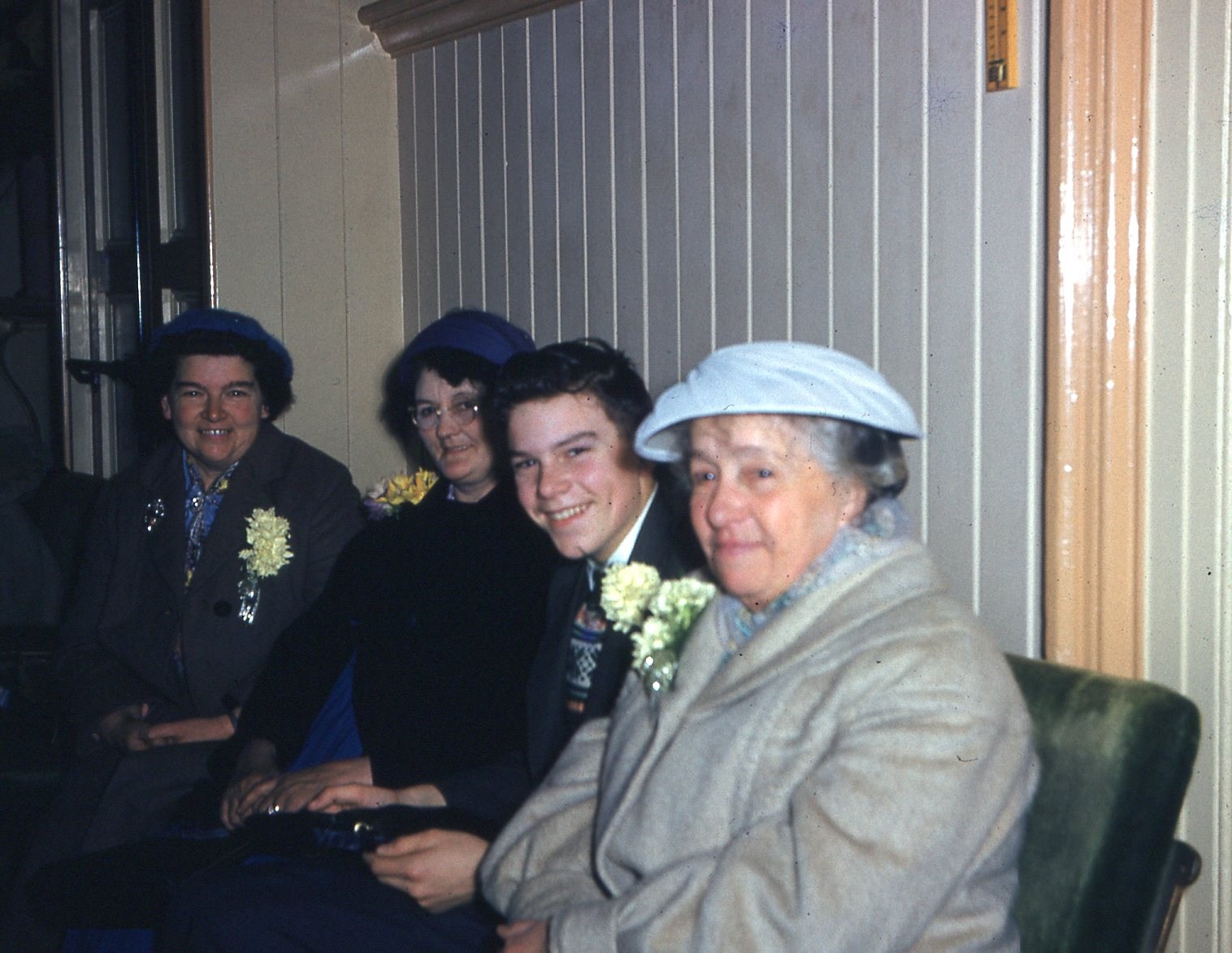 The lady in foreground is Roberts widow (my great grandmother Lucy M.Lambert around the end of the 1960`s.jpg