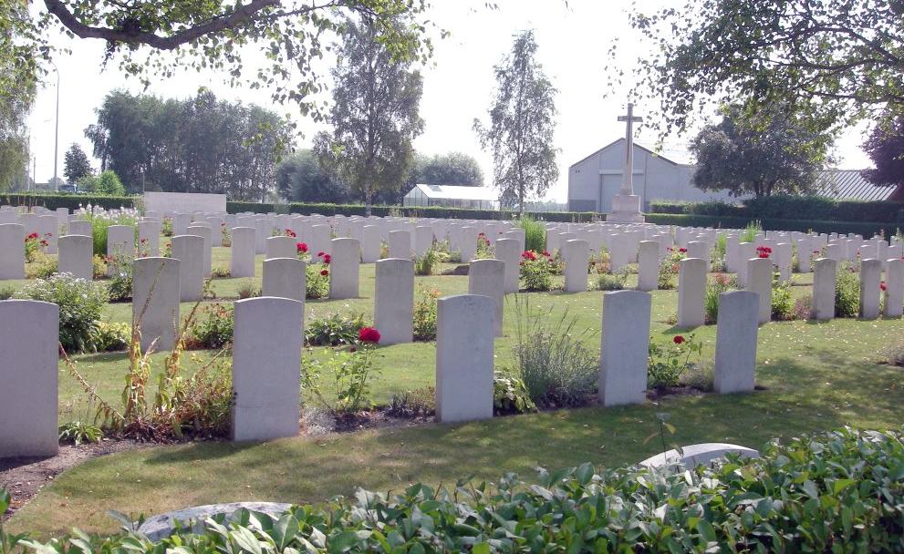 Brandhoek Military Cemetery in 2015