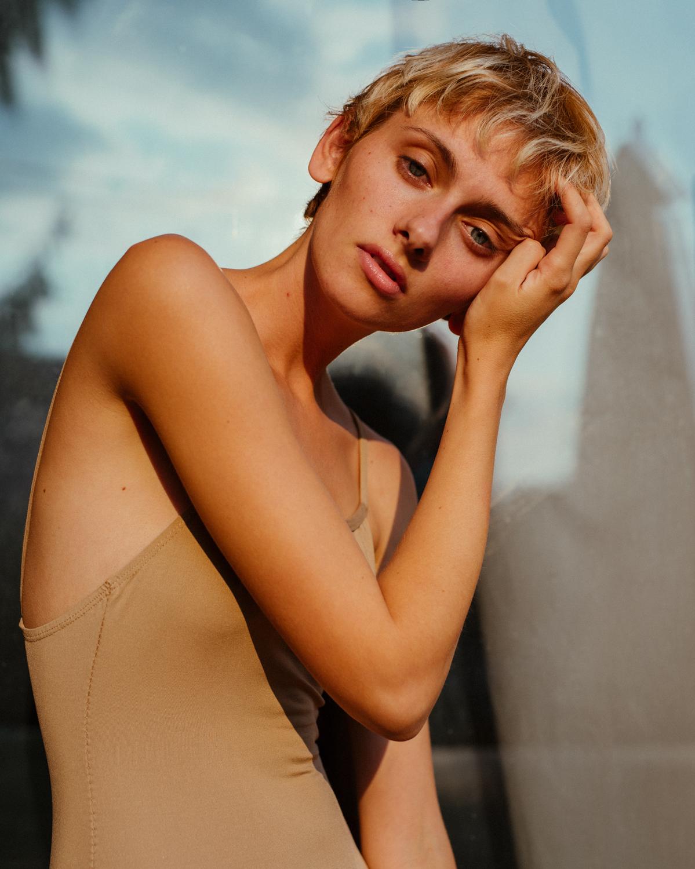 model golden hour portrait by Denis Butorac