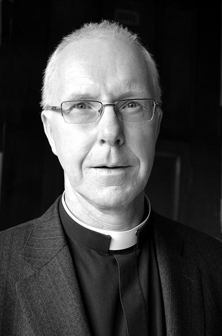 Rev Julian Heaton@0,25x.jpg