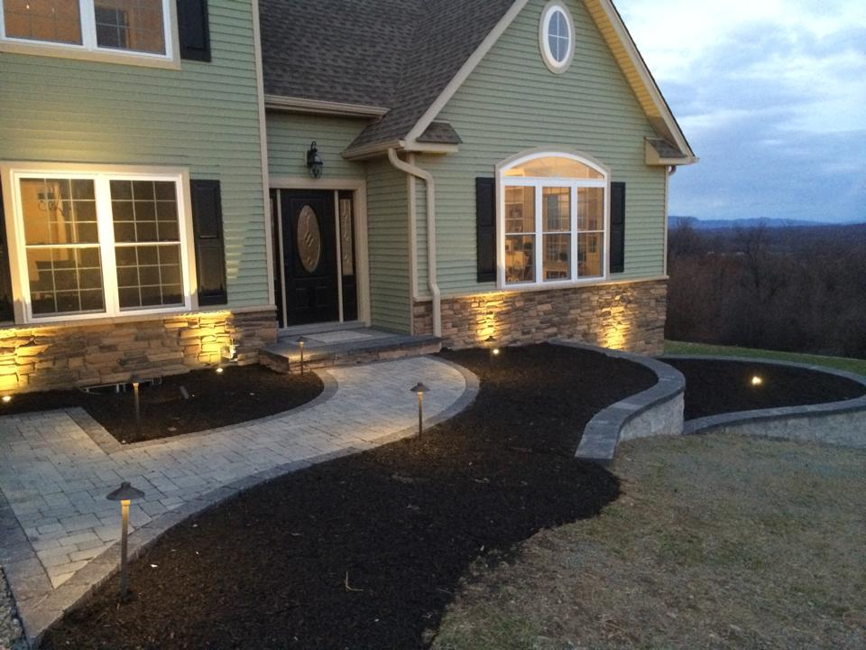Landscaping ideas in Florida, New York for outdoor lighting