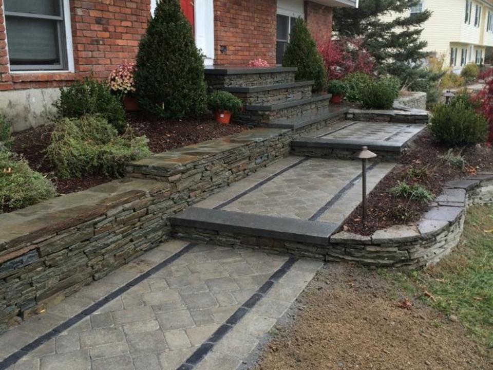 Walkway and outdoor lighting - landscaping ideas in Pine Island, New York
