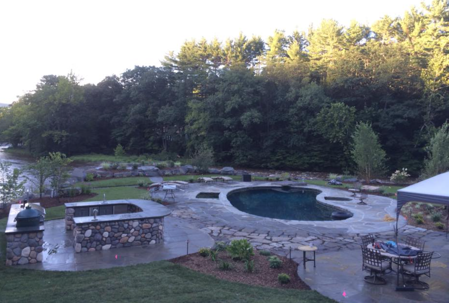 Swimming pool landscaping ideas in Florida NY