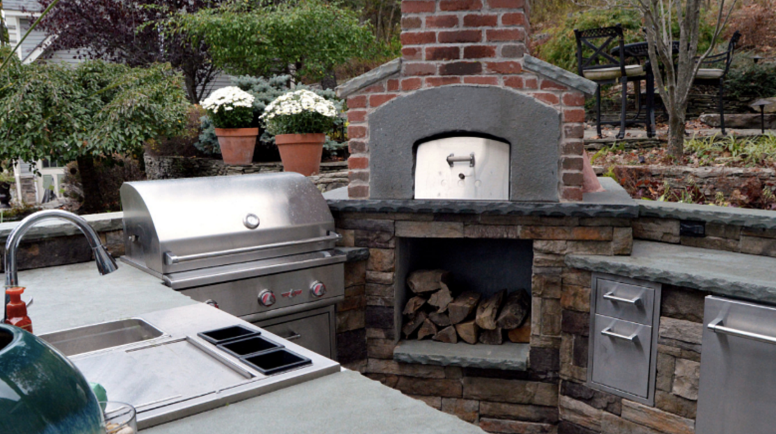 Outdoor kitchen project by Landworx Landscaping.
