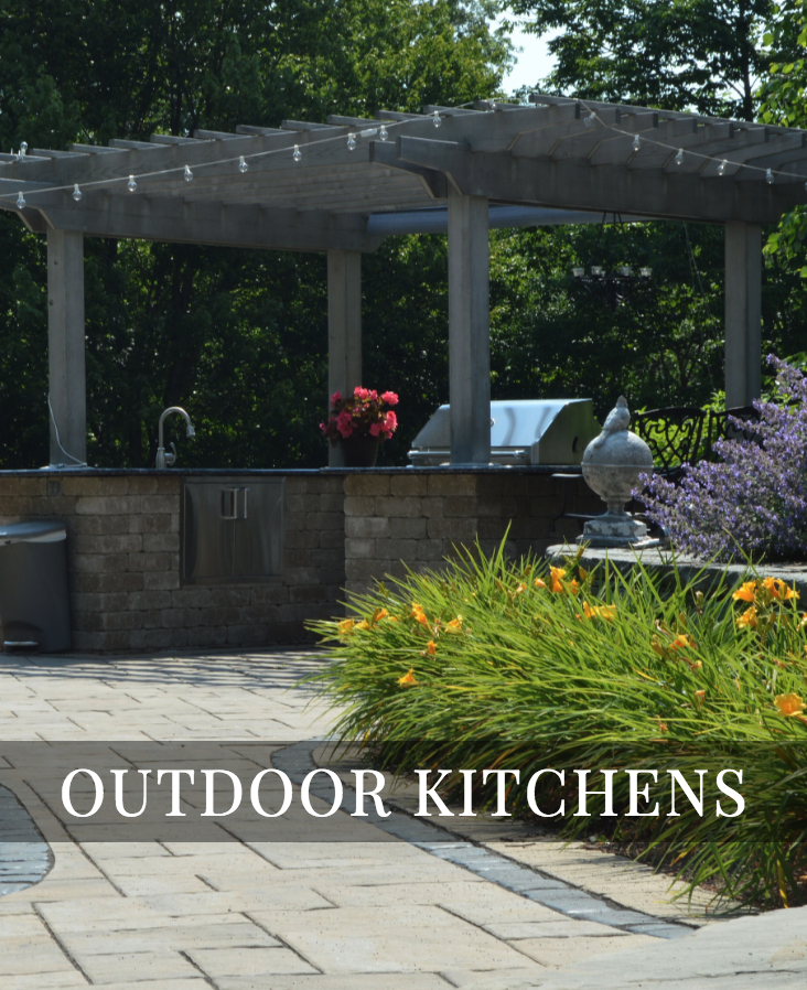 Grill Islands x Custom Outdoor Kitchens    LEARN MORE