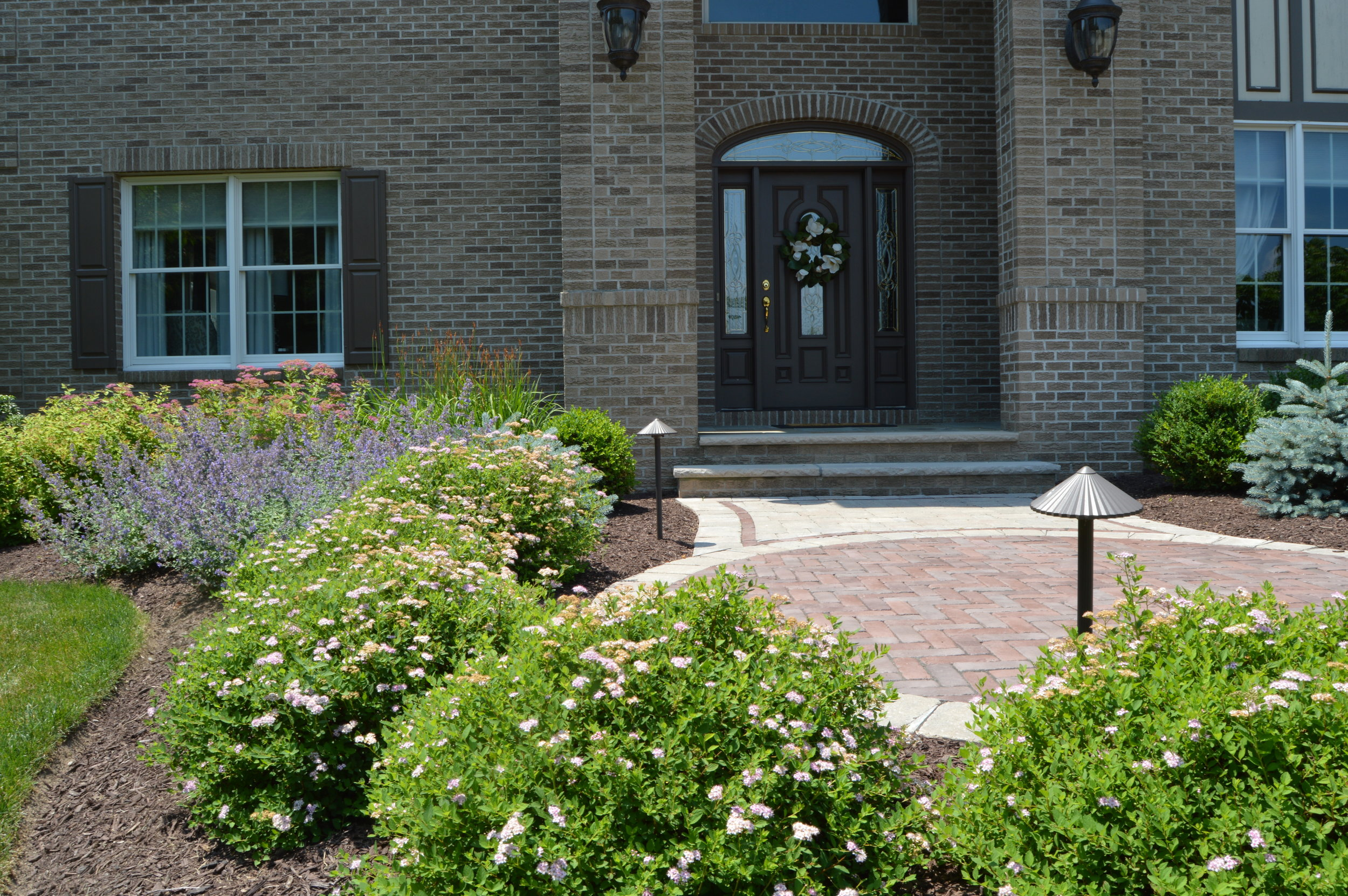plants and circular front entrance in Warwick, NY